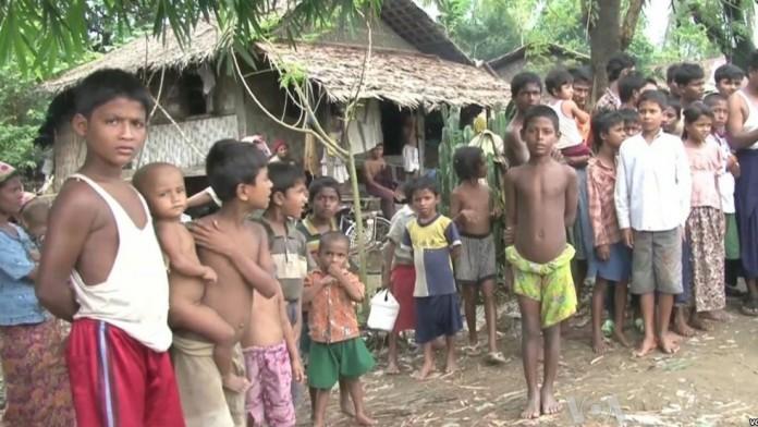 বাংলাদেশে অবৈধ অনুপ্রবেশকারী কয়েকজন রহিঙ্গা শিশু (ফাইল ফটো)