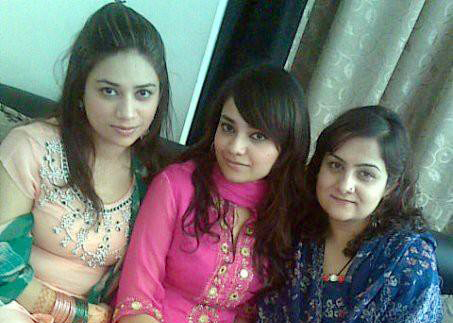 Pakistani-Girls-Pictures-3