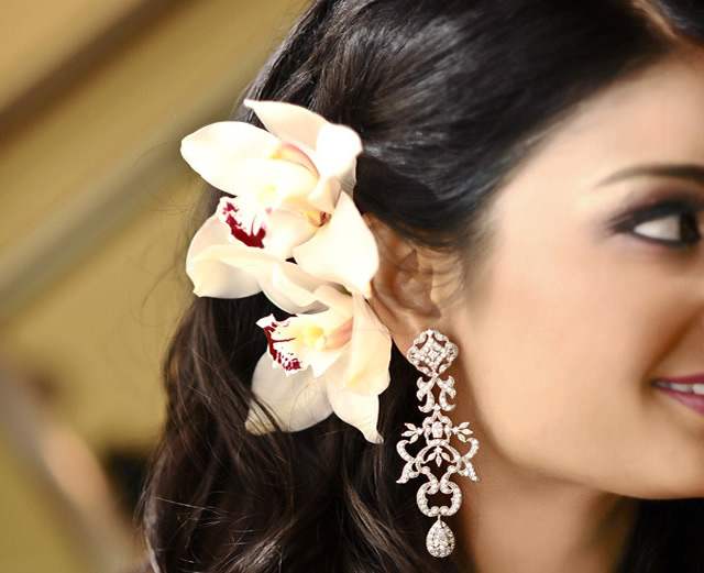 indian-wedding-portrait-beautiful-earrings-hair