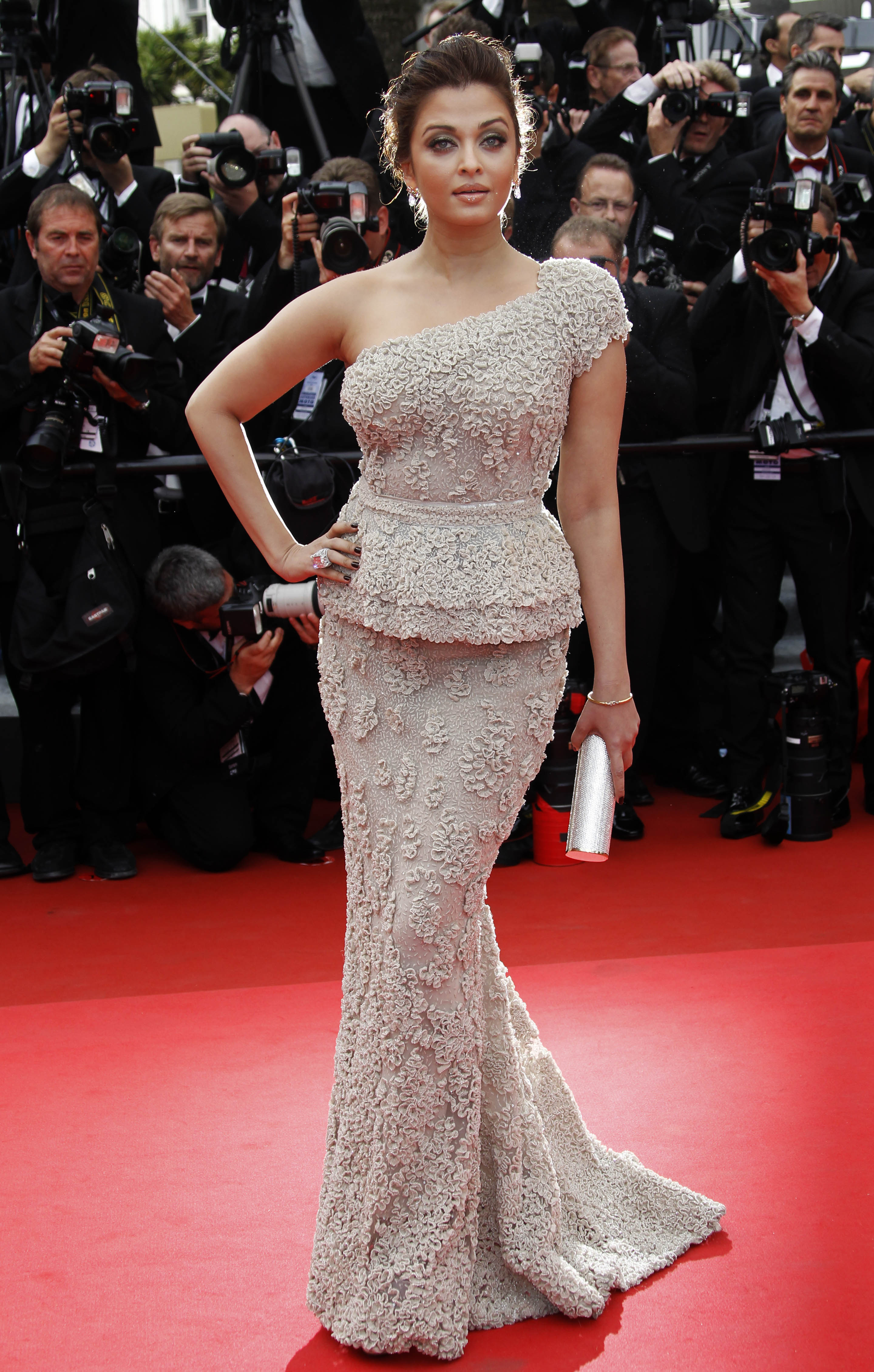 Aishwarya Rai arrives for the screening of Midnight in Paris and the
