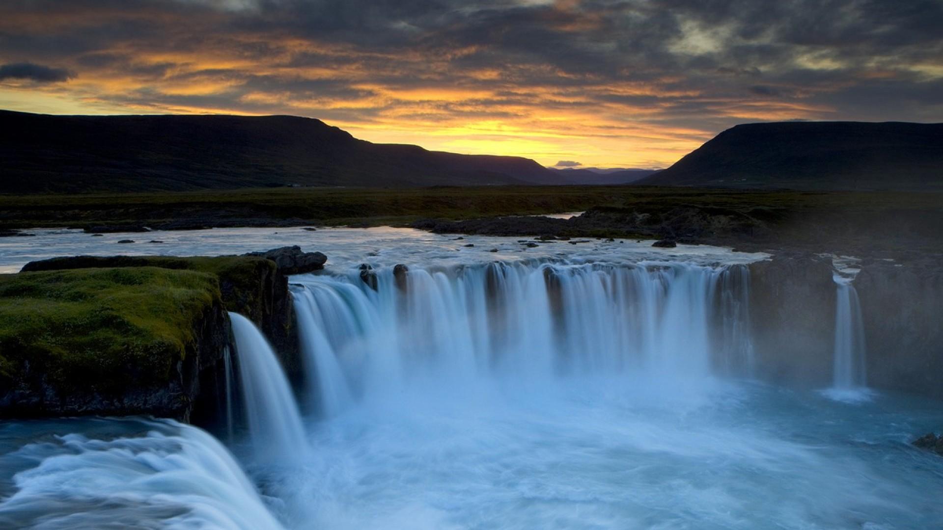 dettifoss-falls