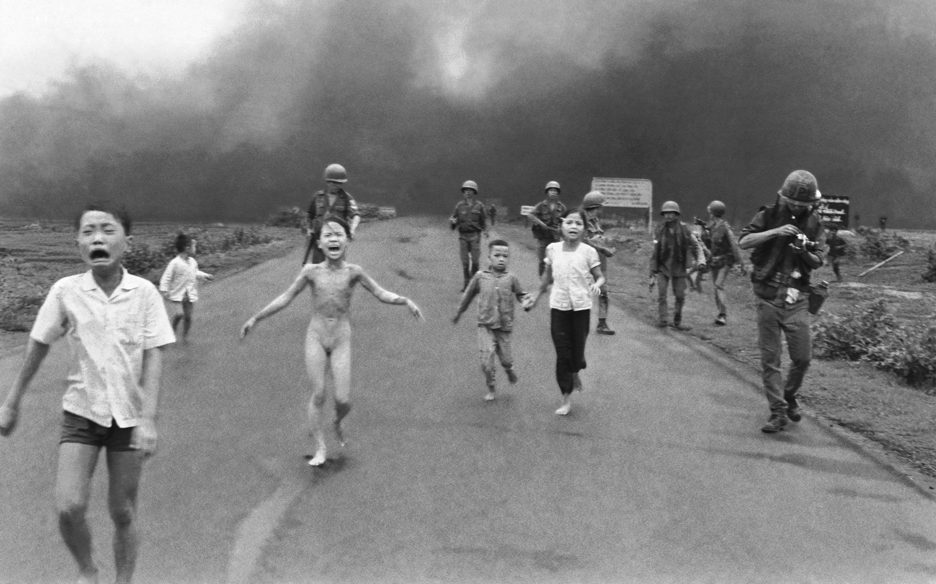 12-4-napalm-girl_0