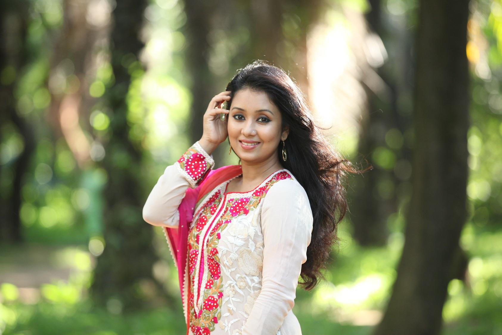 Bangladeshi-model-Farhana-Mili