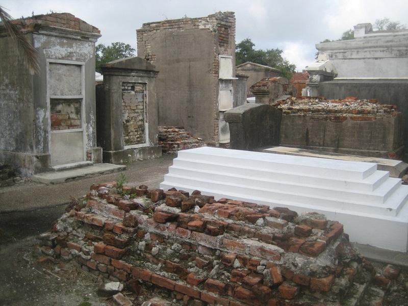 Cemeteries_New_Orleans