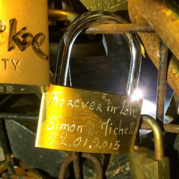 Lover-Locks-Pont-des-Arts-bridge3-610x610