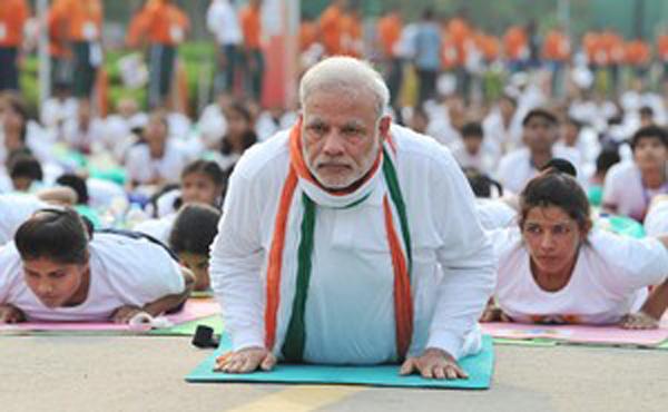 Narendra+Modi+participates+in+the+mass+yoga