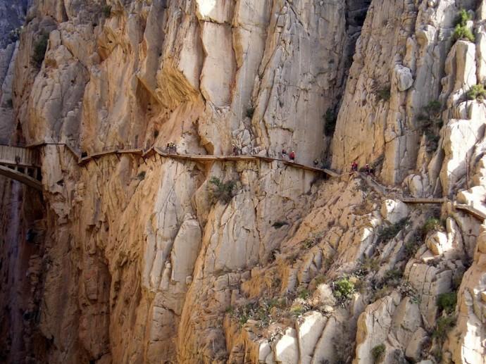 WOE-El-caminito-del-rey-1-690x517
