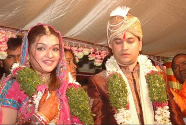 aarti-agarwal-husband-ujwal-600x404