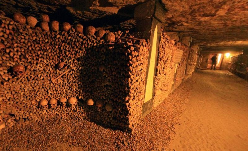 catacombs-of-paris