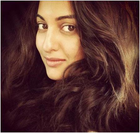 sonakshi-sinha-bollywood-actress