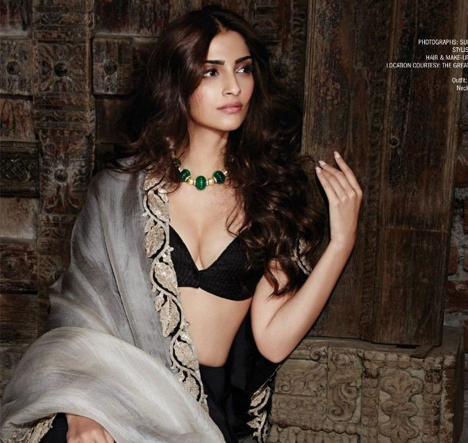 sonam-kapoor-shoots-for-filmfare-feb-2015-edition_142242427540