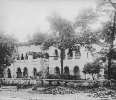 ঢাকা-মাদ্রাসা-বর্তমানে-কবি-নজরুল-কলেজ-১৮৮০।