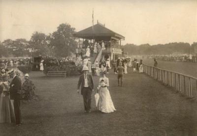 ব্রিটিশ-অভিজাত-পরিবারের-রাজকীয়-মিলনমেলা-রেসকোর্স-ঢাকা-১৮৯০
