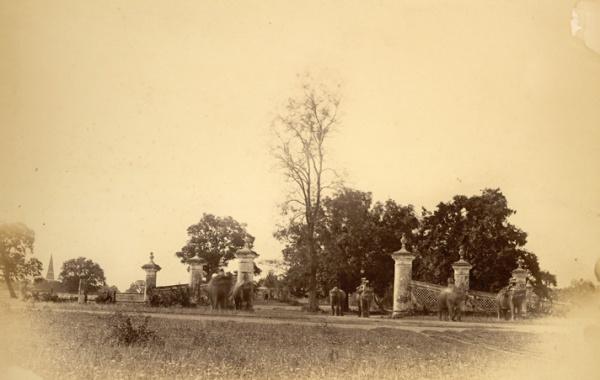 রমনা-গেইট-১৮৭০