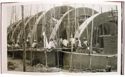 সংসদ-ভবনের-নির্মাণকাজ-১৯৬৯।