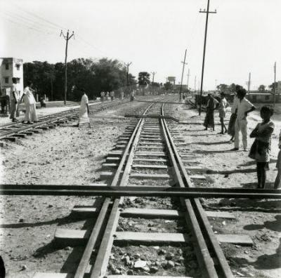 ৬৯-এর-গন-আন্দোলনের-সময়-জনগনের-রেলপথ-অবরোধ-তেজগাঁও