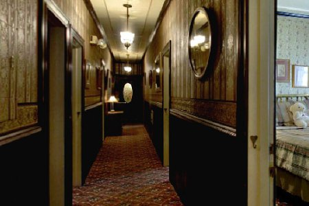 1859-historic-national-hotel-hallway