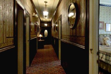1859-historic-national-hotel-hallway