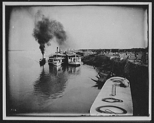 1895-river-steamers-at-Goalanda-ghat