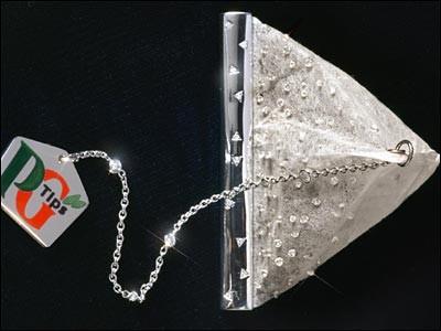 HELLOPOP_1421584035_1-5._PG_tips_diamond_tea_bag_–_14_000