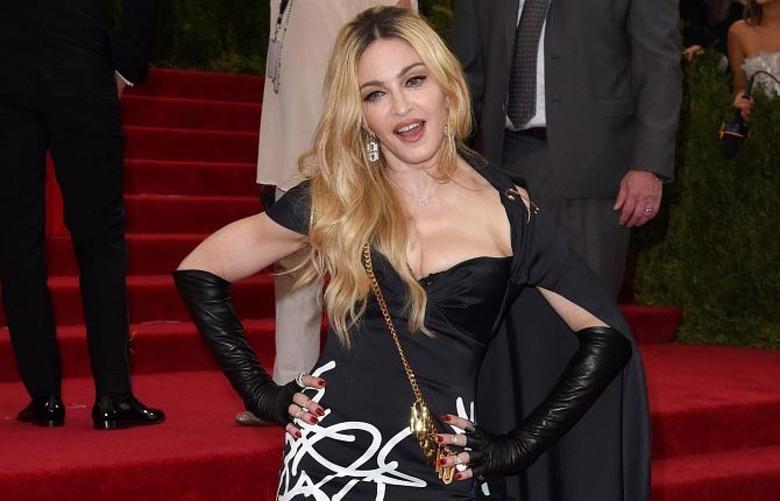 Madonna_top1436700391
