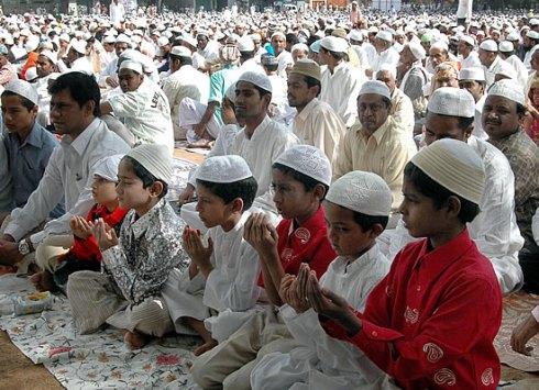 eid-prayer-children_15639