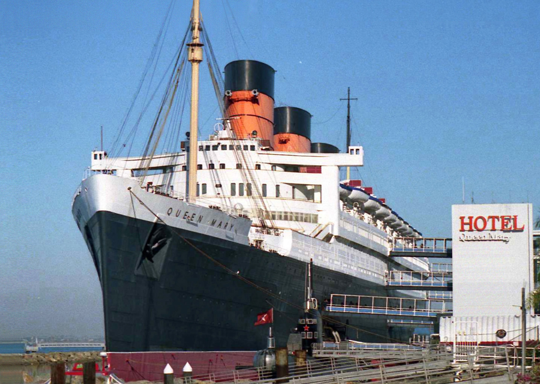 hotel-queen-mary-long-beach-01