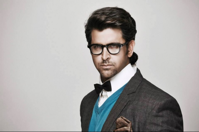 hrithik-roshan-shoots-for-hi-blitz-magazine-nov-2013_138543518760