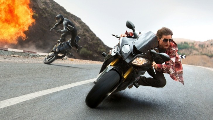 tom-cruise-rides-a-bmw-s1000rr-in-the-mission-impossible-5-rogue-nation-video-93638-7