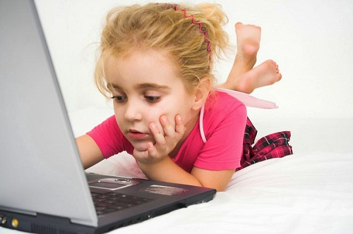 Beautiful-Girl-Baby--with-Laptop-Wallpaper