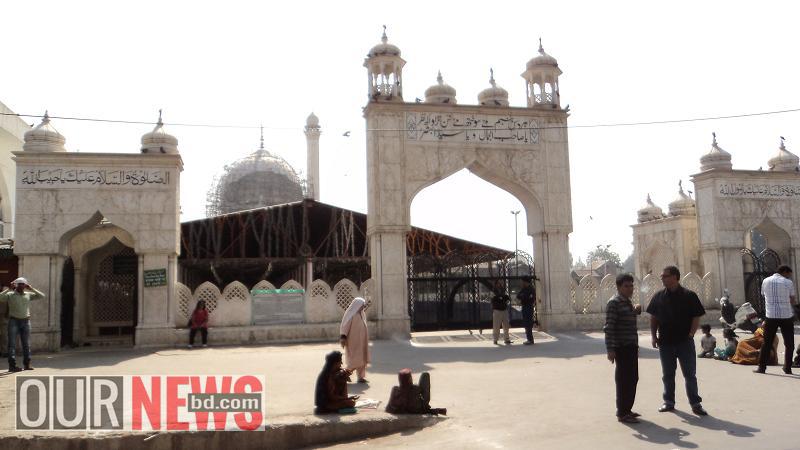 হযরত বাল দরগাহ শরীফ মসজিদের একাংশ