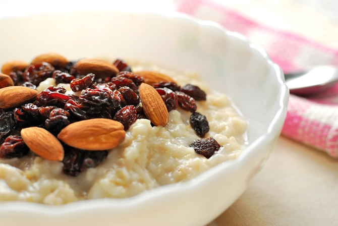 have-a-fiberpacked-breakfast-of-oatmeal-almonds-and-dried-fruit-for-colo_1181_541340_0_14083005_670