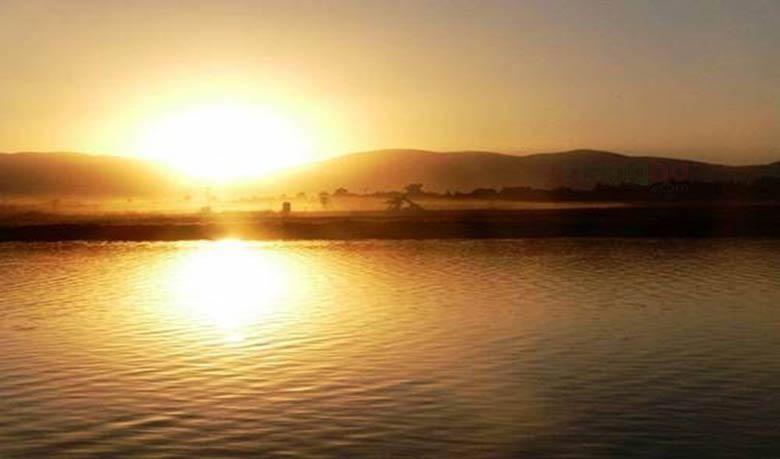 জর্ডান নদীতে সূর্যালোক ঈশ্বরের দান হলেও অদূরে টিরাট জভি পুড়ছে দাবদাহে