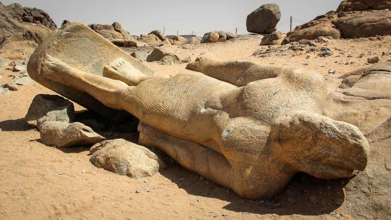 ফারাওদের এরকম ৪০টিরও বেশি মূর্তি পাওয়া গেছে সুদানে