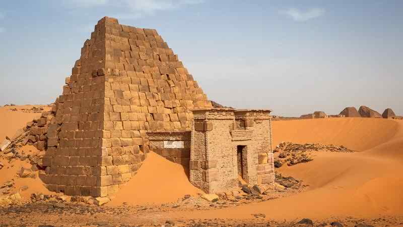 সুদানের এই পিরামিডটিকে বিশ্বের ঐতিহ্যবাহী স্থাপনার অন্তর্ভুক্ত করে ইউনেসকো