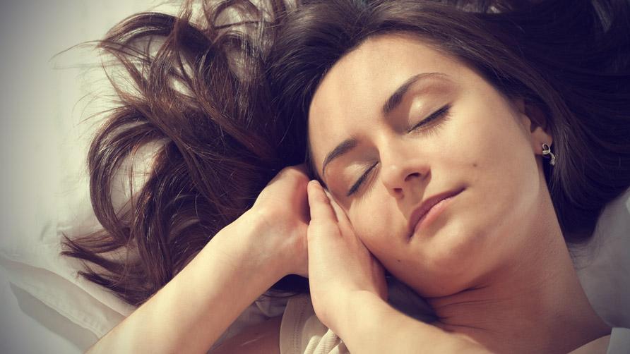 woman-asleep-in-bed-7