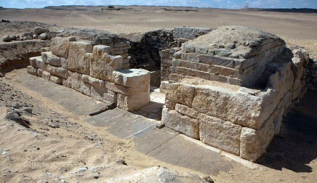 1454415203-Tomb-04