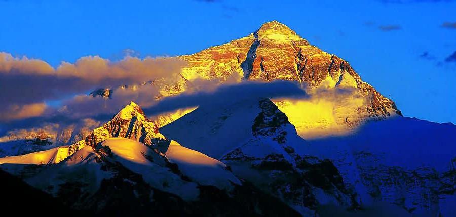 tibet_golden_mountain_everest
