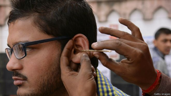160303140916_bangla_bd_hearing_problem_640x360_gettyimages