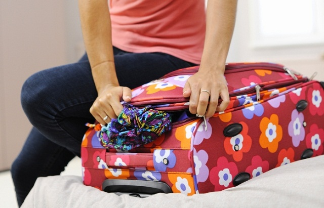 19-things-not-to-forget-when-packing-for-your-holi-02