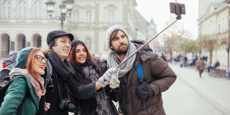 201502-xl-selfie-stick-bans_0