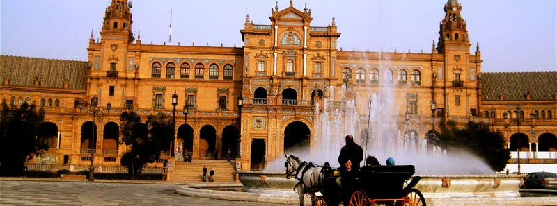 Sevilla_Landscape_Relaxing-Chariot-Ride-Program-Director-Ana-Marcos-with-Students-Alliacropped