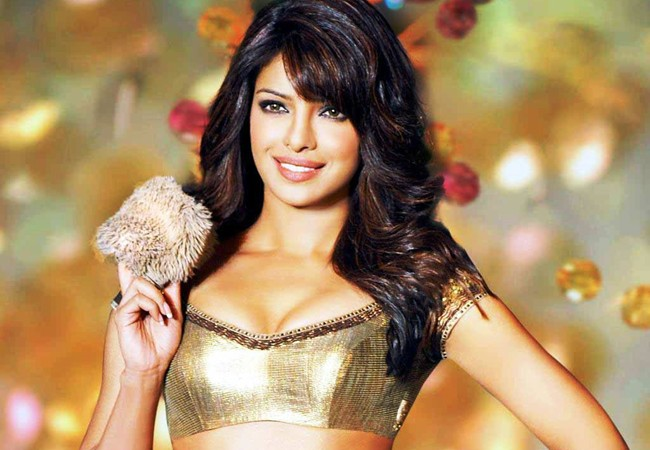 beautiful-priyanka-chopra-in-golden-hd-wallpapers
