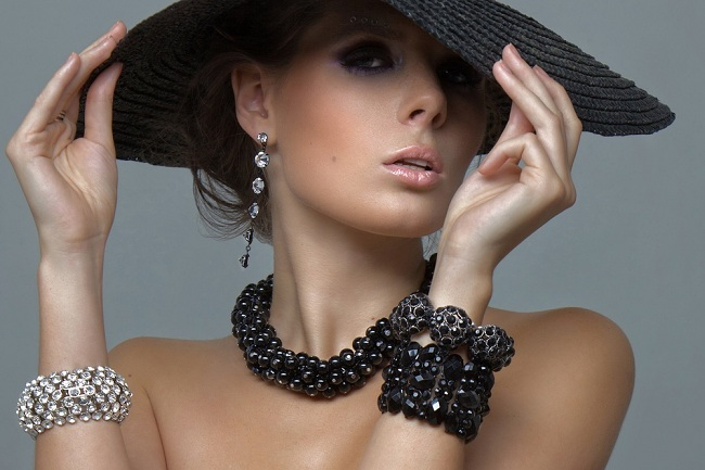 fashion_accessories_by_luxe_and_class