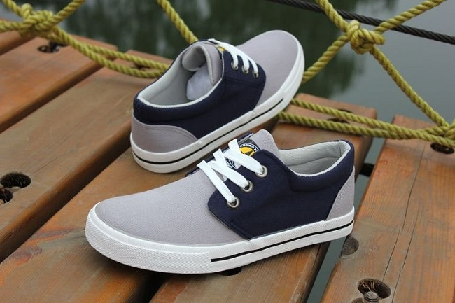 2012-The-new-spring-and-summer-leisure-men-s-shoes