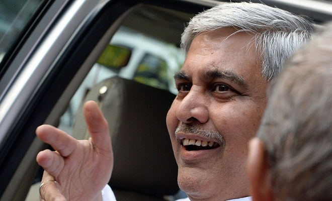 The head of the Board of Control for Cricket in India (BCCI) Shashank Manohar leaves after attending a special meeting at the BCCI headquarters in Mumbai on February 19, 2016. The meeting was held to discuss reforms recommeded in the Lodha Committee report.  AFP PHOTO/ INDRANIL MUKHERJEE / AFP / INDRANIL MUKHERJEE        (Photo credit should read INDRANIL MUKHERJEE/AFP/Getty Images)