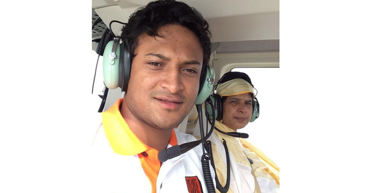 shakib-with-his-mother20160608045337