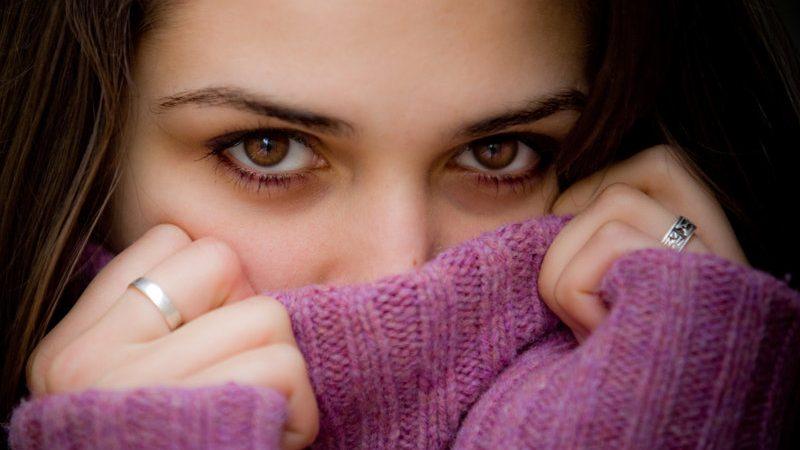 shy-woman
