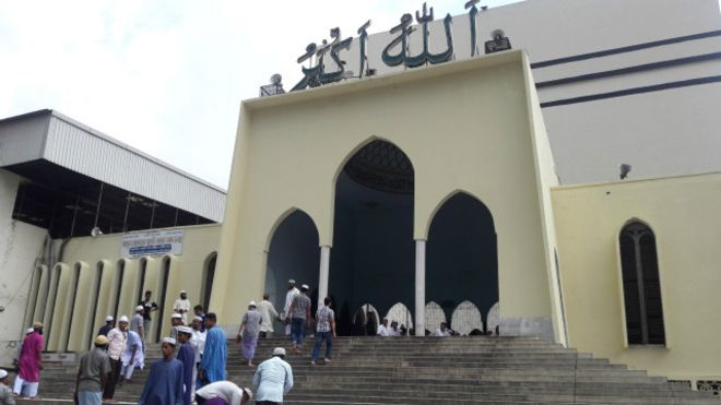 160715152913_dhaka_mosque_640x360_bbc_nocredit