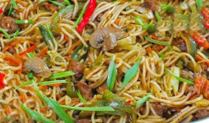 Tanduri-chicken-noodls